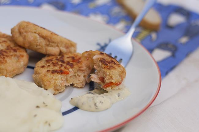 la-cuchara-azul-hamburguesa-salmon-salsa-tartara