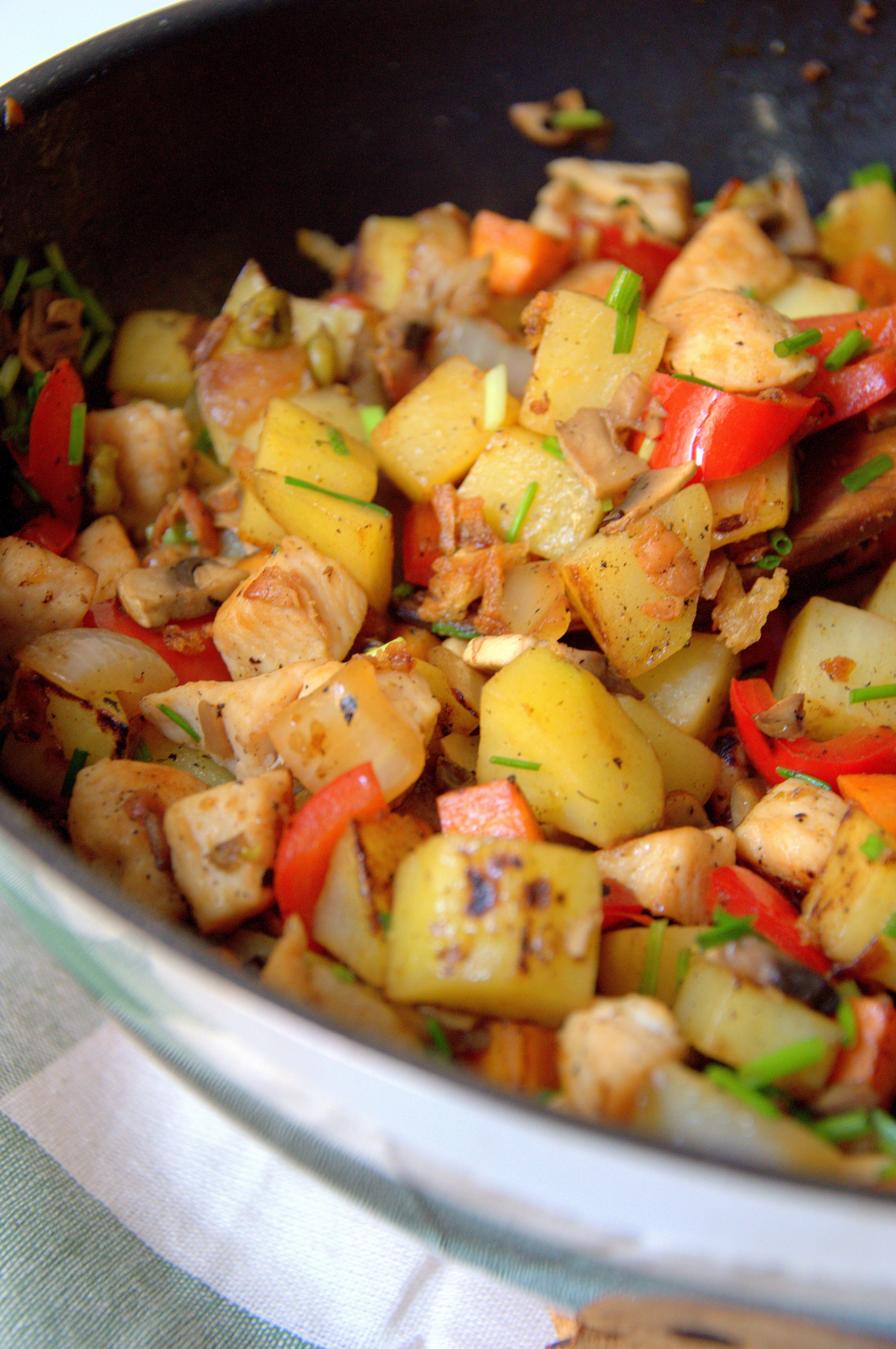 Salteado de patatas, pollo y verduras - Organizados