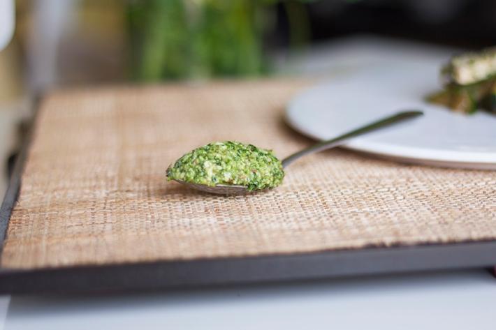 lacucharazul-pesto-cilantro-almendras