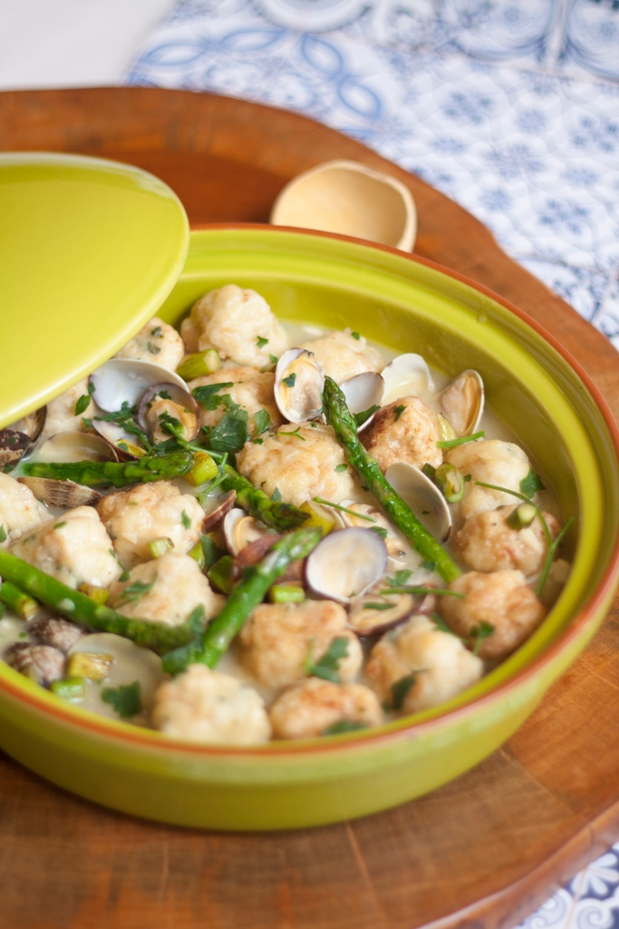 la-cuchara-azul-albondigas-merluza-salsa-verde-2