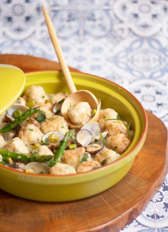 la-cuchara-azul-albondigas-merluza-salsa-verde